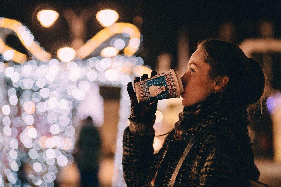 Egyedül az ünnepek alatt randi